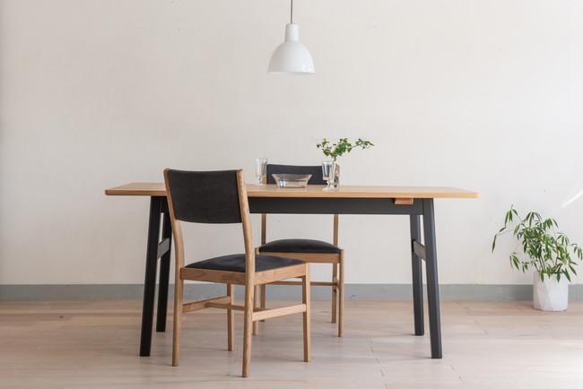 環境にやさしい塗料を使用した無垢材家具