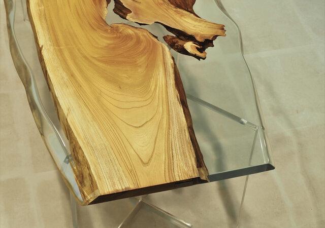 天然木と高級レジンをハイブリッド、圧倒的透明度の水が食卓に流れる!?